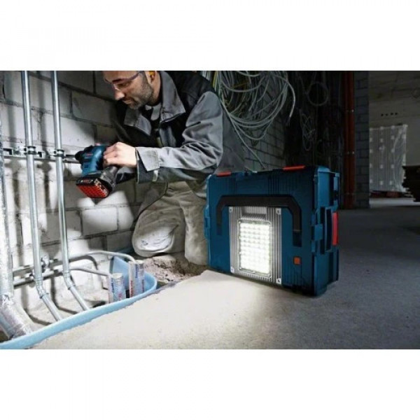 Акумулаторна лампа Bosch GLI PortaLED 136 14,4/18 - Соло машина
